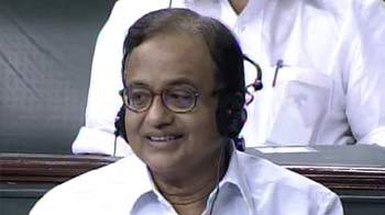 Video : Chidambaram stuns Lok Sabha, speaks in Bhojpuri