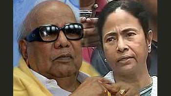 Video : Mamata Banerjee, Karunanidhi to miss PM's dinner on three years of UPA 2