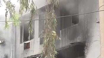 Video : Fire at a factory in Delhi's Mayapuri area
