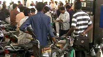 Video : Chennai petrol shortage forces offices to allow work-from-home today