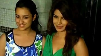 Video : Priyanka, Parineeti's sister act