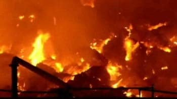 Video : 15 hrs later, fire rages on at Amritsar paper mill; no casualty reported