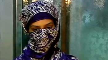 Video : 'एसीपी ढोबले ने बर्बाद कर दी जिंदगी'