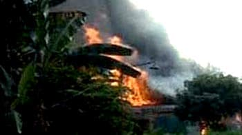 Video : Nine die as Indonesian Air Force plane crashes into housing complex