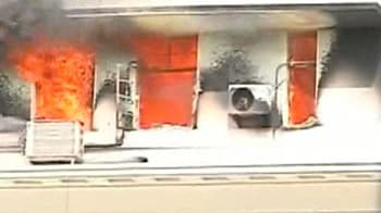 Video : Watch mobile video of Mantralaya fire on 6th floor of govt HQ
