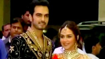 Video : Big stars attend Esha Deol's sangeet