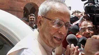 Video : Pranab Mukherjee resigns as Finance Minister; PM to take charge, say sources