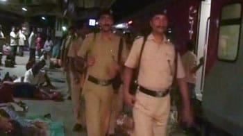 Video : Maoists attack policemen, blast rail tracks in Jharkhand