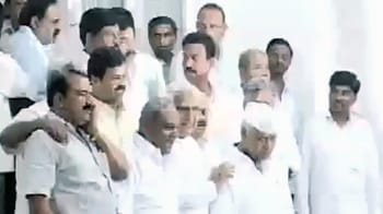 Video : BJP's crisis, courtesy Yeddyurappa: Eight ministers quit government