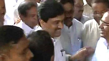 Video : Adarsh probe: Ashok Chavan, Vilasrao Deshmukh get into a blame-game