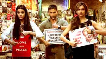 Video : Critics review Saif, Deepika's <i>Cocktail</i>, Ajith's <i>Billa 2</i>