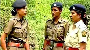 Video : 'तडोबा' में पांच महिलाएं भी लगी हैं बाघों की सुरक्षा में