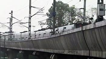 Video : मेट्रो बंद होने का जिम्मेदार कौन...?