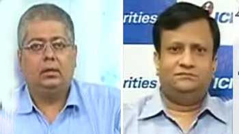Video : Expert outlook on Infosys, TCS