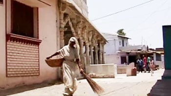 Video : India's 'untouchable' waste collectors