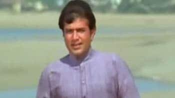 Videos : चला गया बॉलीवुड का आनंद...