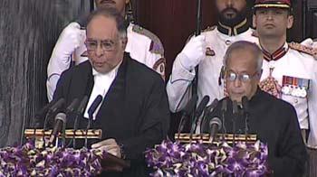 Video : Pranab Mukherjee sworn-in as India's 13th President