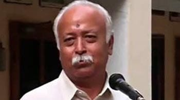 Video : RSS chief ranked Bihar ahead of Gujarat? Yes, say reporters; no, says RSS