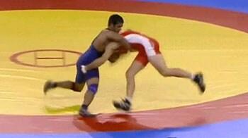 Videos : ओलिंपिक कुश्ती में भारत को निराशा, अब योगेश्वर से उम्मीद