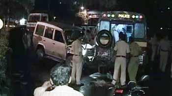 Video : मुंबई में टाटा सूमो ने पांच पुलिसवालों को कुचला
