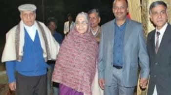 Video : दिल्ली में वृद्ध दंपति की गला रेतकर हत्या
