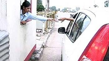 Video : Punjab's brave women toll booth operators