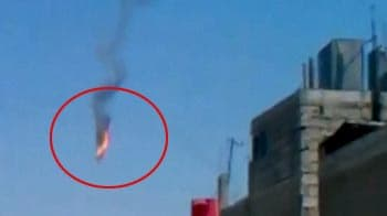 Video : Caught on camera: Rebels down Syrian helicopter over Damascus