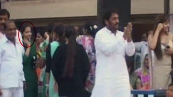 Videos : एक और वीडियो : कांडा के साथ चुनाव प्रचार भी किया था गीतिका ने...