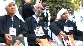 Video : In Kashmir, families of missing people move human rights panel