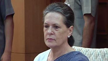 Video : Sonia Gandhi goes abroad for medical check-up