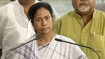 Video : Nobody has tried to reach me: Angry Mamata contradicts Congress