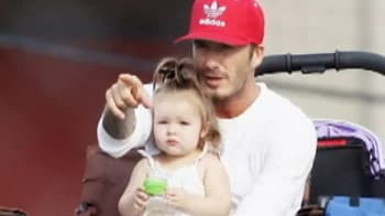 Video : Beckham's day out with daughter Harper