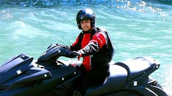Video : Aamir Khan to the rescue