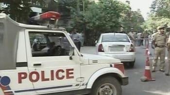 Video : 5-crore heist in South Delhi: Gunmen steal van loaded with bank money