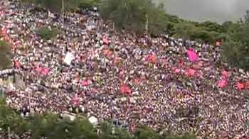 Video : Telangana march: Thousands of protesters defy deadline