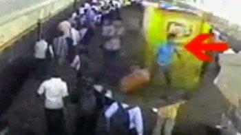 Videos : स्टेशन पर मिली लाश : पुलिस ने मांगी मीडिया से मदद