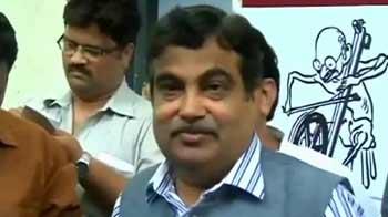 Video : 70,000-crore scam: Gadkari justifies letter lobbying for dam, contractors