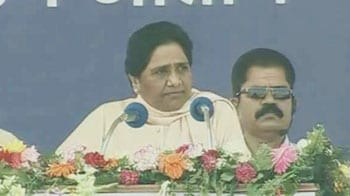Video : At huge rally, Mayawati launches 2014 campaign for her party