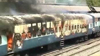 Video : Train in Karnataka catches fire: 2 dead