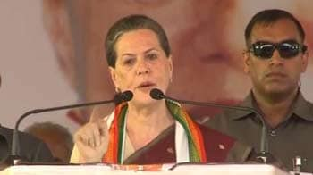 Video : In Karnataka, Sonia Gandhi accuses BJP of running corrupt governments