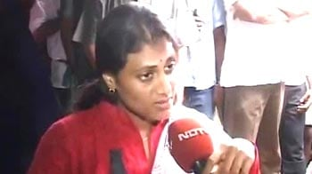 Video : 'Padayatra' by Jaganmohan Reddy's sister draws huge crowds