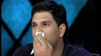 Video : रेत पर अपनी दास्तां देख रो पड़े युवराज