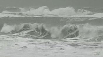 Video : Cyclone alert issued in Tamil Nadu, Andhra; heavy rains in Chennai