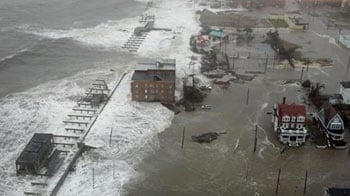 Video : Superstorm Sandy leaves millions without power