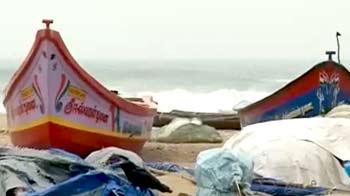 Video : तमिलनाडु, आंध्र प्रदेश पर तूफान 'नीलम' का खतरा