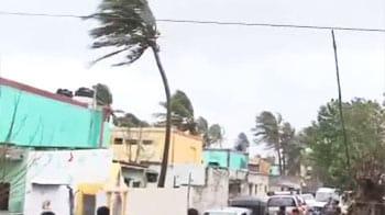 Video : Cyclone Nilam makes landfall south of Chennai, no major damage
