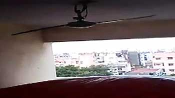 Video : Chennai: Surfer video captures strong winds