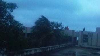 Video : Surfer video shows Cyclone Nilam causing havoc