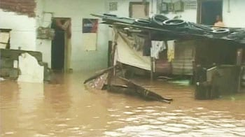 Video : Heavy rains in Andhra Pradesh: 25 dead, 80000 evacuated, trains stalled