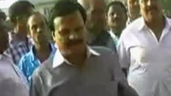 Videos : कांग्रेस सांसद ने अपने आला नेताओं को कोसा